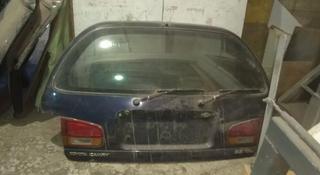 Крышка багажника камри 10 универсал за 555 тг. в Павлодар