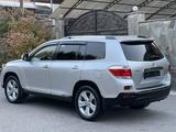 Toyota Highlander 2012 года за 16 900 000 тг. в Алматы – фото 3