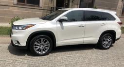 Toyota Highlander 2014 года за 13 000 000 тг. в Алматы