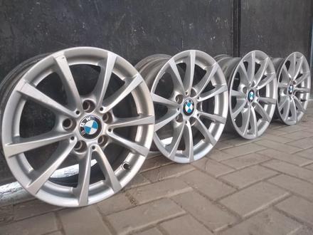 R16 5x120 J 7 ET31 BMW f30 2015 года родные диски оригинальные за 110 000 тг. в Алматы – фото 2