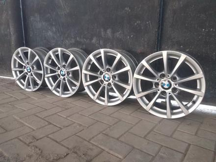 R16 5x120 J 7 ET31 BMW f30 2015 года родные диски оригинальные за 110 000 тг. в Алматы – фото 6