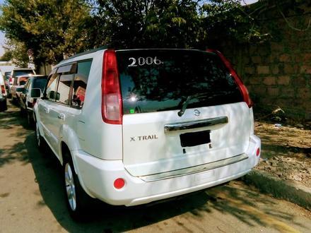 Nissan X-Trail 2006 года за 2 000 000 тг. в Атырау – фото 2