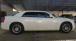 Chrysler 300C 2007 года за 5 000 000 тг. в Актау – фото 2