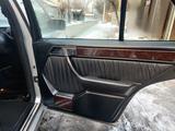 Mercedes-Benz E 420 1993 года за 5 200 000 тг. в Алматы – фото 4