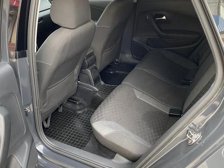 Volkswagen Polo 2018 года за 4 000 000 тг. в Атырау – фото 8
