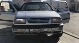 Volkswagen Vento 1996 года за 1 000 000 тг. в Алматы – фото 2