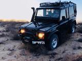 Land Rover Defender 2001 года за 3 200 000 тг. в Актау – фото 3