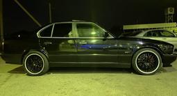 BMW 530 1995 года за 2 200 000 тг. в Алматы – фото 2