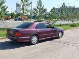 Mercedes-Benz E 280 1996 года за 1 880 000 тг. в Нур-Султан (Астана) – фото 2
