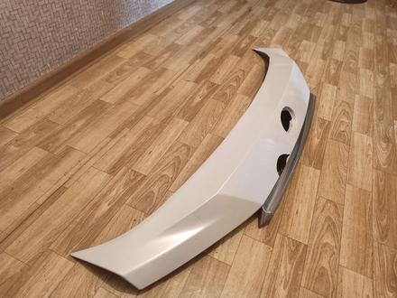 Планка с хромированной деталью на крышку багажника на Lexus RX… за 50 000 тг. в Алматы