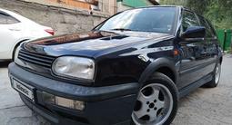Volkswagen Golf 1995 года за 1 800 000 тг. в Алматы