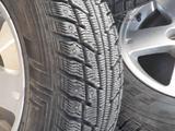 Зимние шины на дисках за 135 000 тг. в Атырау – фото 2