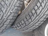 Зимние шины на дисках за 135 000 тг. в Атырау – фото 3