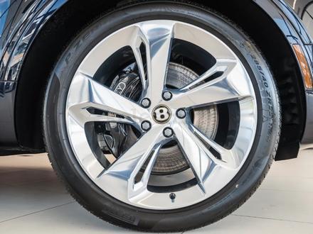 Диски с шинами r22 ДЛЯ Bentley Bentayga за 1 900 000 тг. в Алматы – фото 2