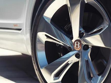 Диски с шинами r22 ДЛЯ Bentley Bentayga за 1 900 000 тг. в Алматы