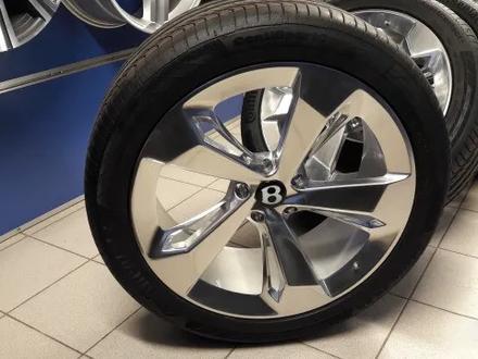 Диски с шинами r22 ДЛЯ Bentley Bentayga за 1 900 000 тг. в Алматы – фото 4