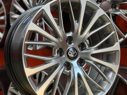 Toyota Camry 70 диски за 140 000 тг. в Алматы