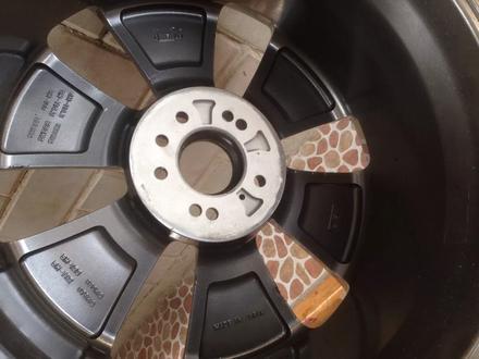 R19 5x114. 3 комплект дисков оригинальные, универсальные за 150 000 тг. в Алматы – фото 4