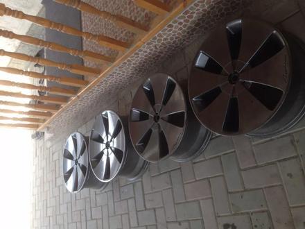 R19 5x114. 3 комплект дисков оригинальные, универсальные за 150 000 тг. в Алматы – фото 5