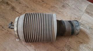 Амортизатор правый Пневмобаллон Prado 120 оригинал за 10 000 тг. в Алматы