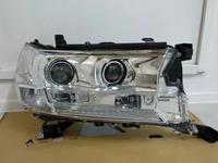Отличное состояние фара правая на Toyota Land Cruiser 200 с… за 340 000 тг. в Нур-Султан (Астана)