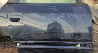 Дверь на Audi 100 задняя правая за 5 000 тг. в Алматы