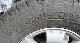 Диски с шинами 4 штуки японские зимние YOKOHAMA 265/70/R16 за 250 000 тг. в Алматы – фото 4