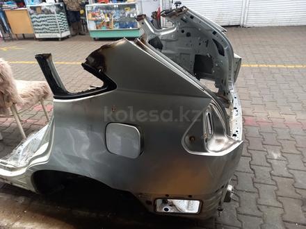 Lexus rx330-350 заднй крло за 155 000 тг. в Алматы