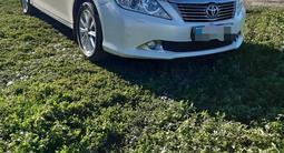 Toyota Camry 2012 года за 8 300 000 тг. в Усть-Каменогорск – фото 2
