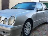 Mercedes-Benz E 320 2001 года за 3 400 000 тг. в Жанаозен