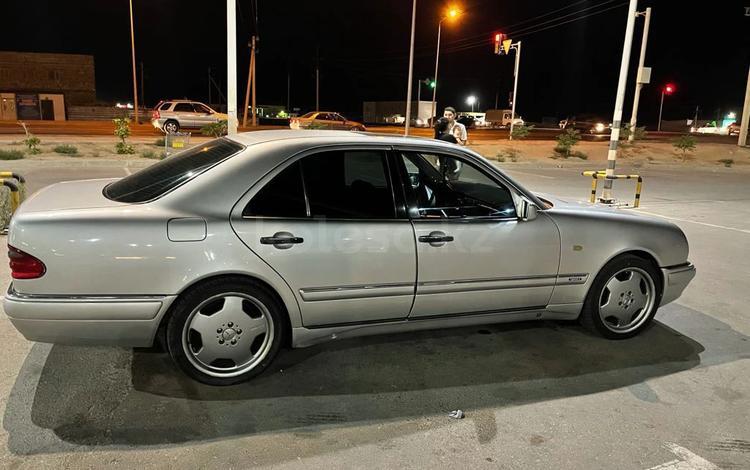 Mercedes-Benz E 320 1999 года за 4 500 000 тг. в Актау