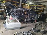 Кузов 124 унивесал за 158 651 тг. в Караганда