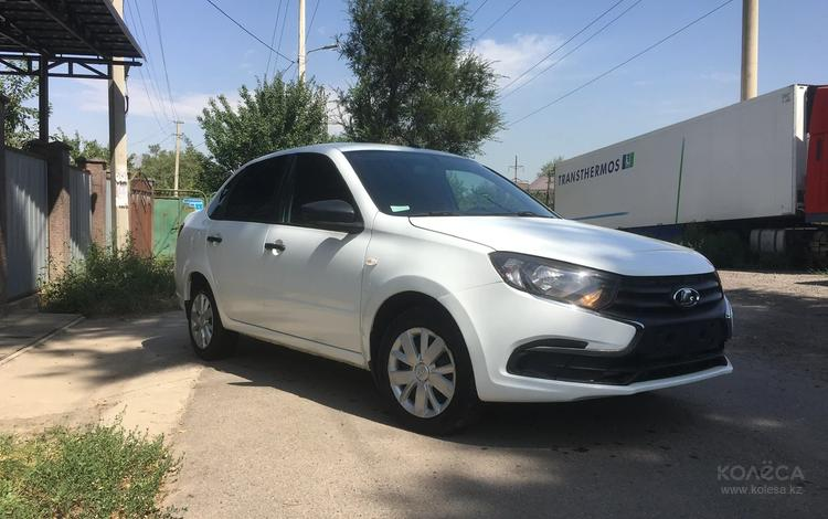 ВАЗ (Lada) Granta 2190 (седан) 2018 года за 3 200 000 тг. в Алматы