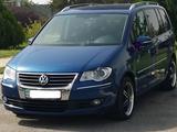 Volkswagen Touran 2010 года за 5 000 000 тг. в Уральск