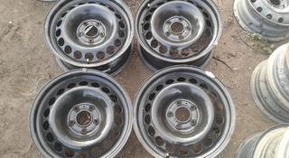 Оригинальные металлические диски на Audi (R16 5*112 ЦО66.6 7J ЕТ за 50 000 тг. в Нур-Султан (Астана)