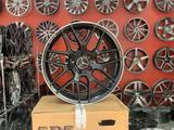 Новые фирменные диски Р18 AMG Mercedes за 165 000 тг. в Алматы