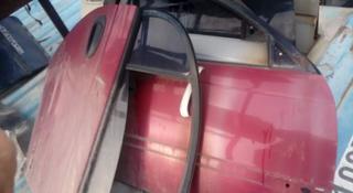 Дверь Toyota Avensis 22 за 10 000 тг. в Алматы