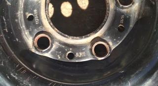Один диск железный BMW за 5 000 тг. в Актобе