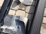 Пороги подножки брызговики комплект на Land Cruiser 200 Оригинал за 165 000 тг. в Алматы – фото 5