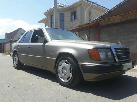 Mercedes-Benz E 230 1991 года за 1 200 000 тг. в Алматы – фото 4