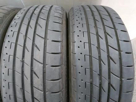 Резина летняя Bridgestone 225 55 18 за 165 000 тг. в Алматы