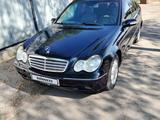Mercedes-Benz C 240 2003 года за 2 950 000 тг. в Алматы