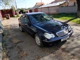 Mercedes-Benz C 240 2003 года за 2 950 000 тг. в Алматы – фото 4