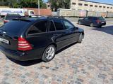 Mercedes-Benz C 240 2004 года за 2 900 000 тг. в Алматы – фото 2