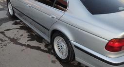 BMW 528 1998 года за 2 850 000 тг. в Алматы