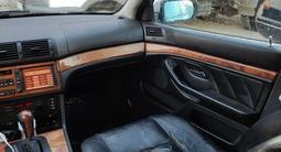 BMW 528 1998 года за 2 850 000 тг. в Алматы – фото 5
