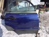 Передняя правая дверь Subaru Forester II за 25 000 тг. в Семей