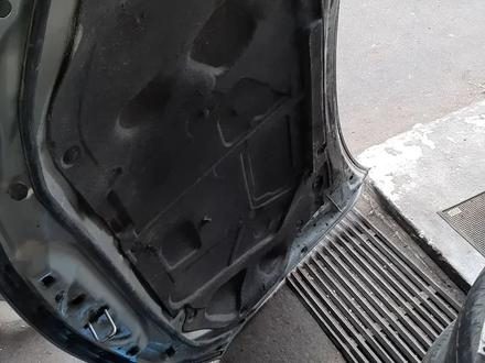 Капот Mazda 6 за 40 000 тг. в Алматы – фото 2