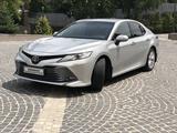 Toyota Camry 2019 года за 12 500 000 тг. в Алматы – фото 2