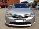 Toyota Camry 2013 года за 6 300 000 тг. в Актобе – фото 2
